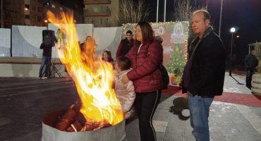 Atatürk Şehir Meydanı'nda Belediyemizce Düzenlenen Yeni Yıl Kutlamasında Vatandaşlarımız İle Birlikte Olduk